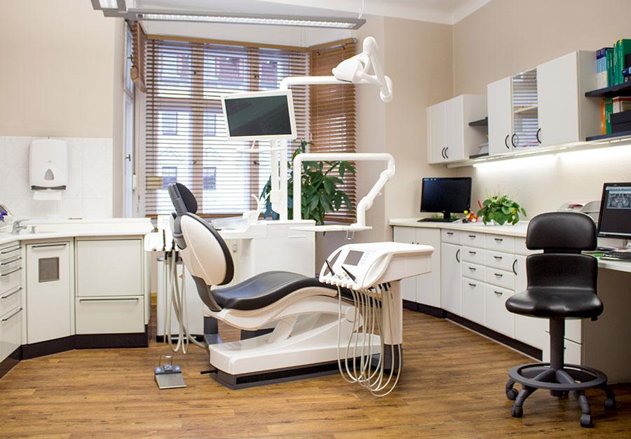 Behandlungsraum Zahnarzt Dr Martin Krautz